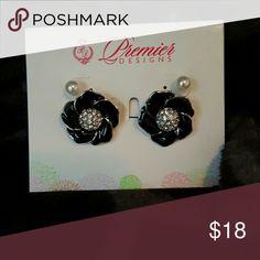 """Premier Designs Post Earring Set Premier Designs """"Cute as a Button"""" Earring Set Premier Designs Jewelry Earrings"""