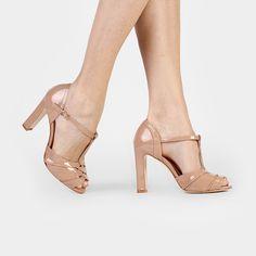 Sandália Luiza Barcelos Tira Trançadas Nude | Zattini Sexy Heels, High Heels, Kinds Of Shoes, Shoe Closet, Shoe Collection, Your Shoes, Slide Sandals, Cute Shoes, Open Toe