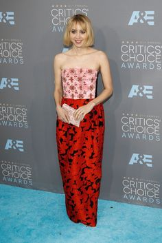Zoe Kazan in Oscar de la Renta at the Critics' Choice