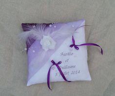 coussin porte alliance mariage blanc parme, violet, brodé à vos prénoms, personnalisé : Autres accessoires par saperlipopette-creations