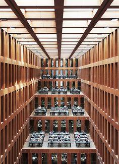 Max Dudler Architects / Jacob-und-Wilhelm-Grimm-Zentrum. Surreal central reading hall.