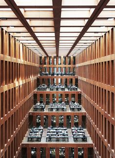 Humboldt University Library, Berlin by Max Dudler Architects / Jacob-und-Wilhelm-Grimm-Zentrum. Beautiful Library, Dream Library, City Library, Unique Architecture, Interior Architecture, Mensa, Modern Library, Building Structure, Arquitetura