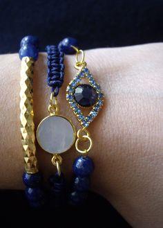 Everything is blue! Βραχιόλια με ημιπολύτιμες πέτρες/ φίλντισι  10114/1 Χάντρες από νεφρίτη με μεταλλικό διακοσμητικό Τιμή 7€  09114/1 Μπλε μακραμέ με φίλντισι Τιμή 8 €  10114/3 Χάντρες από νεφρίτη με μπλε ματάκι Τιμή 7€