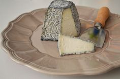 Brinza de duminica – Valençay Mozzarella, Bacon, Dairy, Cheese, Trials, Food, Essen, Meals, Yemek