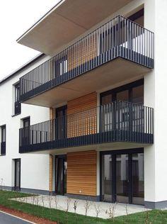 railing - All About Balcony Glass Balcony Railing, Balcony Railing Design, Iron Balcony, Steel Railing Design, Balustrade Design, Balustrade Balcon, Balustrades, Balcony Grill Design, Modern Balcony