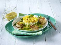 Unser beliebtes Rezept für Gebratene Jakobsmuscheln an Avocado-Raukesalat und…