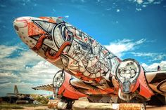 Artists Turn Retired Jets Into Spectacular Art - DesignTAXI.com