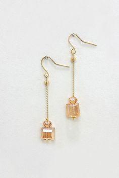 Billie Earrings in Colorado Topaz//