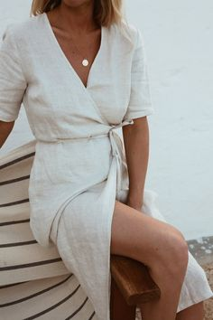 Love this simple white linen wrap dress. Love this simple white linen wrap dress. Women's Dresses, Dress Outfits, Fashion Outfits, Wrap Dresses, Fashion Ideas, Fashion Tips, Virtual Fashion, All White Outfit, Moda Chic