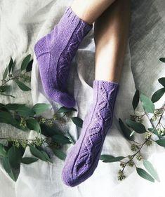 Crochet Socks, Knitting Socks, Knit Crochet, Leg Warmers, Slippers, Craft Ideas, Fashion, Knit Socks, Leg Warmers Outfit