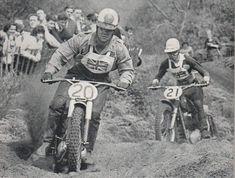 Jeff Smith leading Don Rickman Jeff Smith, Motocross Riders, Machine Photo, Vintage Motocross, British Boys, Street Bikes, Second World, Grand Prix, Old School