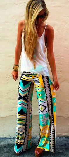 Super cute egyptian exuma pants and white tank. Aztec pants are all the rage s/s 2014 Fashion Pants, Look Fashion, Fashion Outfits, Womens Fashion, Tribal Fashion, Teen Fashion, Fashion Trends, 2014 Trends, Summer Trends