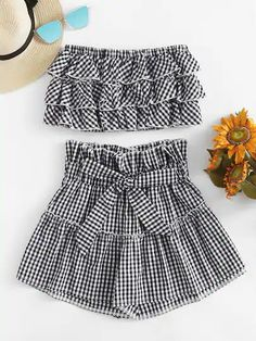 Shop Tiered Frill Gingham Bandeau Top With Shorts online. SheIn offers Tiered Frill Gingham Bandeau Top With Shorts & more to fit your fashionable needs. Teen Fashion Outfits, Look Fashion, Girl Outfits, Cute Outfits, Fashion Boots, Striped Outfits, Casual Outfits, Fashion Dresses, Fashion Moda