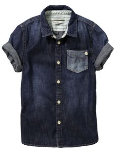 For super cool, on trend, summer look. With jeans. Denim and denim is the thing. Boys Denim Shirt, Short Sleeve Denim Shirt, Denim Top, Boys Shirts, Denim Shirts, Casual Wear For Men, Moda Casual, Classy Men, Summer Shirts