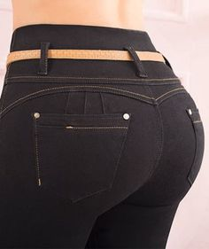 Jeans TyT - Jeans de moda TyT - Jeans TyT. Jeans de moda 100% colombianos para dama. Future Fashion, Sexy Ass, Blue Jeans, Joggers, Booty, Womens Fashion, Pants, Designers, Flare Leg Jeans