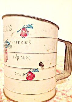 Vintage 1930s Bromwell Sifter with Apples by SpunAlpineFlowers, $22.25