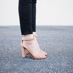 Chloe block heel. Pose by andyheart
