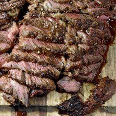 Roast Beef Marinade, Grilled Roast Beef, Smoked Beef Roast, Best Roast Beef Recipe, Roast Beef Dinner, Cooking Roast Beef, Roast Beef Recipes, Braai Recipes, Good Roasts