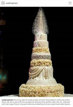 Impressive wedding cake