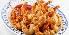 Quick and easy deep fried Golden Shrimp Puffs. Delicious served with sweet chili sauce. Perfect as an appetizer or a side dish.(Makes 24 golden shrimp puffs) Healthy Soup Recipes, Delicious Vegan Recipes, Seafood Recipes, Snack Recipes, Dessert Recipes, Cooking Recipes, Yummy Food, Snacks, Easy Recipes