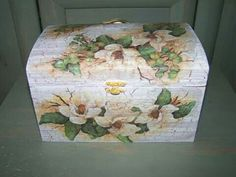 ROMANCE gift box.Vintage hand painted and decoupage.30eur