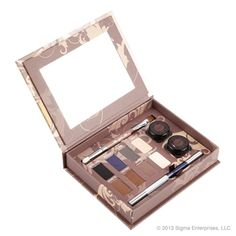 Palette by my favorite beauty blogger.. yes please!