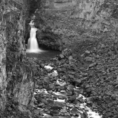 Devil's Punchbowl, Malad Gorge, Idaho - Hagerman, Idaho