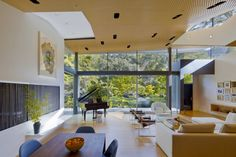 Mid-century modern residence by Griffin Enright Architects