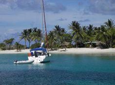 Per Schiff die karibischen Inselwelten entdecken  (rf) Die Karibik ist ein Urlaubsparadies. Die Vielfalt der karibischen Inselwelten lässt sich am besten per Schiff erkunden, egal ob an Bord eines Kreuzfahrtschiffes oder einer Segelyacht.  Mehr: http://www.reisefernsehen.com/reise-news/reise-news-aus-aller-welt/7115a25d0a7bc06-per-schiff-die-karibischen-inselwelten-entdecken.php