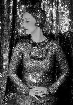 Paula Gellibrand, The Marquesa de Casa Maury, 1928. Photo by Cecil Beaton