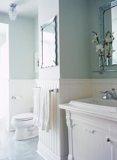 cottage bathroom by Sarah Richardson Design Wainscoting Bedroom, Wainscoting Bathroom, Sarah Richardson Design, White Rooms, Cottage Bathroom, Bathroom Design, Bathroom Decor, Beautiful Bathrooms, Cottage Bathroom Design Ideas
