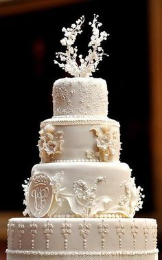 celebrity wedding cakes | Royal Wedding Cake|Kate Middleton & Prince William's Wedding Cake