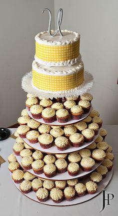 Gingham cake, featured on Rustic Wedding Chic, Photography: Joe Hendricks Photography