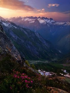 Picket Range, Cascades, Washington; photo by Trevor Anderson on 500px