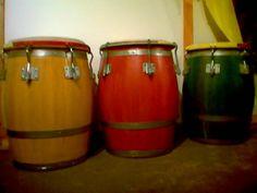 Barriles de bomba... hand drums...