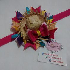 Faixa para meninas com chapeuzinho e fitas,pode ser feito em outras cores!Ao finalizar a compra,favor informar a idade da bebê e as cores desejadas!