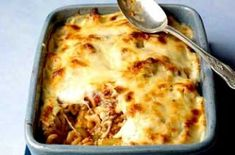 A filling, flavoursome and freezeable pasta bake from Womans Weekly with minced beef, lots of cheese and a dash of Worcestershire sauce. Cook along with Sue McMahons video recipe. Baked Pasta Recipes, Meat Recipes, Baking Recipes, Recipies, Pasta And Mince Recipes, Chicken Recipes, Savoury Recipes, Noodle Recipes, Savoury Dishes