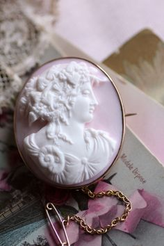Ac2, Pink White, Vintage Inspired, Brooch, Antiques, Personal Style, Ornament, Jewels, Inspiration