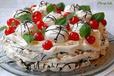 Mint-chocolate meringue cake with cherries Chocolate Meringue, Meringue Cake, Mint Chocolate, Camembert Cheese, Cherry, Pudding, Pin Up, Food, Custard Pudding