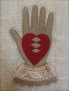 Primitive-Wool-Heart-Hand-Appliqued-Quilted-Love-Token-Pillow-Lace-Cuff-PRHG