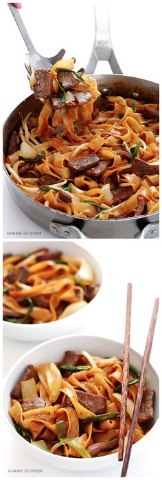 Beef Chow Fun (a beef and noodle stir-fry) Ingredients: Chow Fun 7 ounces uncooked wide rice noodles 2 tablespoons vegetable oil (or any high heat oil) 8 ounces flank steak, cut into bite-sized pie… Asian Recipes, Beef Recipes, Cooking Recipes, Healthy Recipes, Asian Foods, Chinese Recipes, Beef Noodle Stir Fry, Beef And Noodles, Rice Noodles