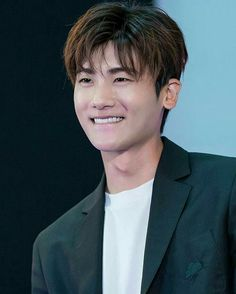 To be on the other end of that smile. Park Hyung Sik, Cute Korean, Korean Men, Asian Men, Asian Actors, Korean Actors, Korean Dramas, Strong Girls, Strong Women