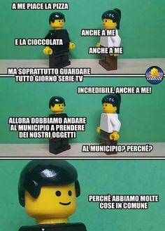 To laugh - - - Lego Hama Beads Minecraft, Perler Beads, Lego Hacks, Funny Images, Funny Pictures, Art Hama, Lego Boxes, Italian Memes, Gulliver's Travels