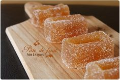 Fruit paste with pear and 4 spices - jam Pastry Recipes, Dessert Recipes, Cooking Recipes, Compote Recipe, Healthy Candy, Food Club, Gourmet Gifts, Creative Food, Sweet Recipes