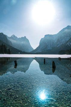 Der schönsten Seen gibt es in Südtirol: Die Dolomitenregion Drei Zinnen. Traumhaft oder?