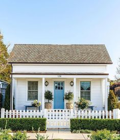 """Cottages & Bungalows Magazine on Instagram: """"Hello, little cutie cottage built in 1910, just blocks from the water in Santa Cruz, California! We love the shingled roof, it's…"""""""