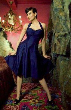 Vestidos pin-up: fotos modelos - Vestido pin-up escote corazón azul