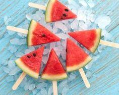 Sucettes glacées de pastèque détox : http://www.fourchette-et-bikini.fr/recettes/recettes-minceur/sucettes-glacees-de-pasteque-detox.html