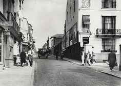 Junction of George St & Edward St, before street was widened Brighton Rock, Brighton Sussex, Brighton And Hove, Old Photos, Vintage Photos, U.s. States, Wedding Art, Art Quotes, Architecture Design