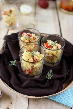"""J'ai trouvé cette recette de verrines dans mon livre """"Dîner au Verre"""" de Maya Barakat-Nuq et Philippe Vaurès Santamaria. C'est un riz basmati cuit avec du"""